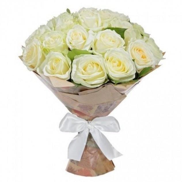 Букет  из 25 белых роз «Поцелуй богини»