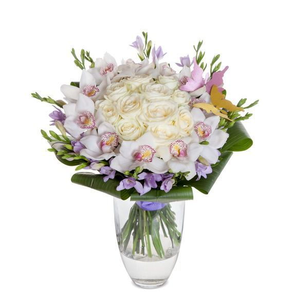 Букет из 11 орхидей, 15 фрезий и 11 белых роз  «Крылатая мечта»