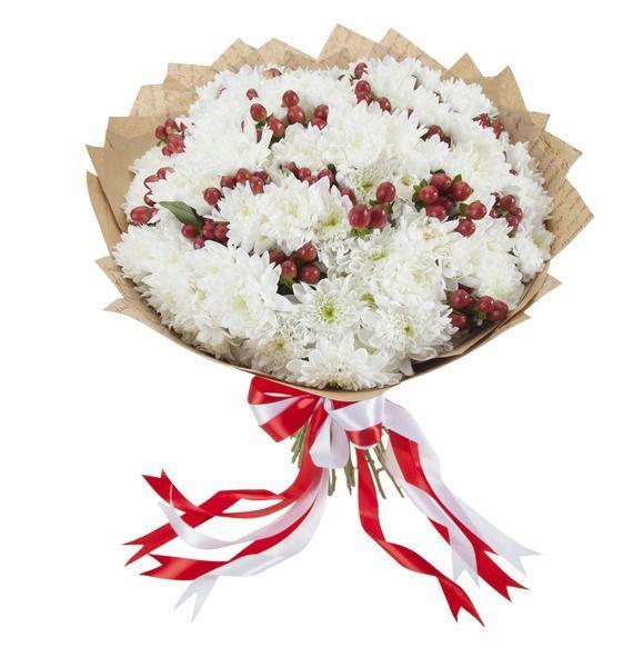 Букет из 35 белых кустовых хризантем  «Ягоды на снегу»