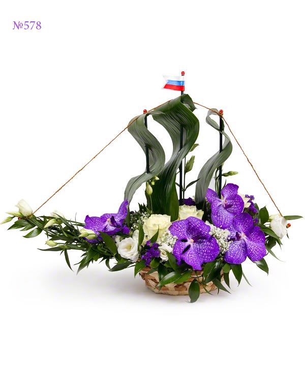 Цветочная композиция из 5 цветков ванды,5 роз, 3 эустом и статицы «Фиолетовая каравелла»