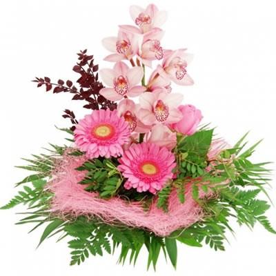 Букет из ветки орхидеи, 3 роз, 3 гербер и папоротника «Нежная лань»