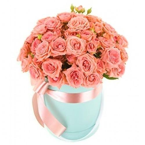 Букет из 65 персиковых роз в коробке «Бесконечность любви»