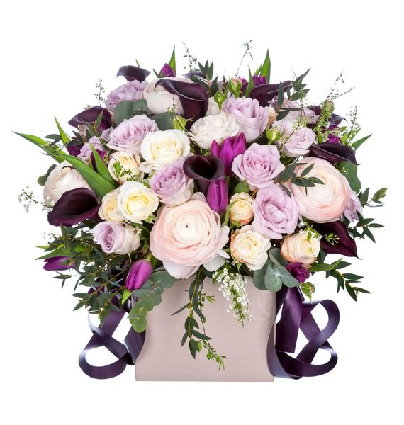Цветы в коробке с 11 тюльпанами, 10 каллами и 24 розами «Дневной звездопад»