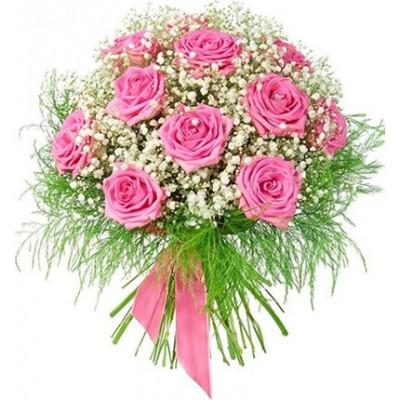 Букет из 11 роз, 2 гипсофил и 5 триферн «Легкокрылая голубка»