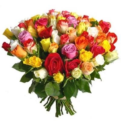 Букет из 65 разноцветных роз «Латинские ритмы»