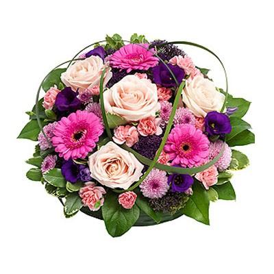 Цветочная композиция из 4 роз, 3 гербер, 5 гвоздик и 3 эустом «Нежная живопись»