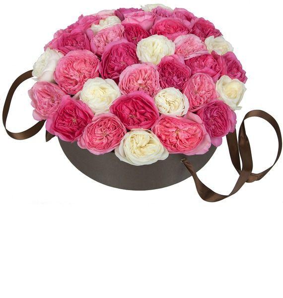 Цветы в шляпной коробке с 45 розами Baronessa, Mariatheresia и Alabaster «Малиновое джелато»