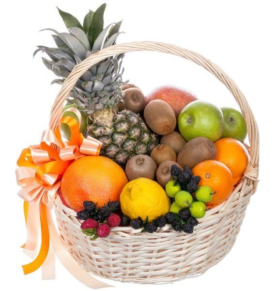 Фруктовая корзина с анансом, фруктами и ягодами «Остров блаженства»
