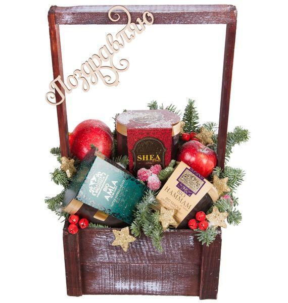 Подарочная коробка с декором, маской для волос, мылом и скрабом «Рождественский сюрприз»