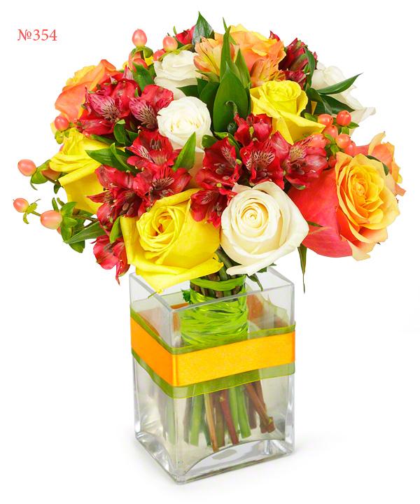 Букет из 5 альстромерий, 11 роз и зелени «Летняя увертюра»