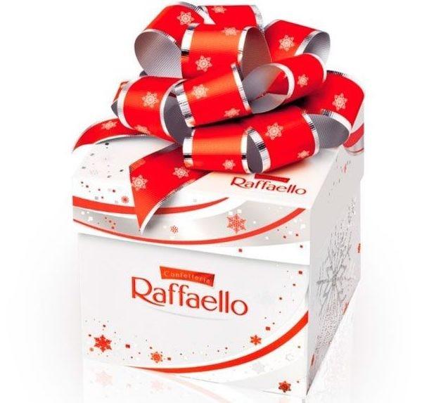 Конфеты Raffaello с бантом «Сладостный рай»
