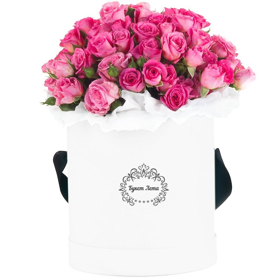 Цветы в шляпной коробке с 25 розовыми кустовыми розами «Мона Лиза»