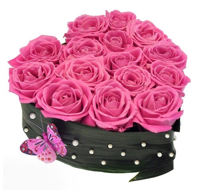 Цветочная композиция из 15 розовых роз и бабочки «Розовая страсть»