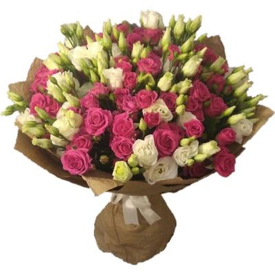 Букет из 15 кустовых роз и 8 эустом «Буйство чувств»