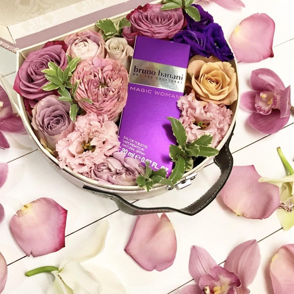 Подарочная коробка с цветами и туалетной водой Bruno Banani Magic Woman «Магический аромат»